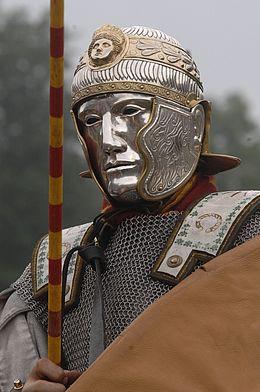 Zwei Tage schlagen hunderte Römer- und Germanendarsteller im Museumspark in Bramsche-Kalkriese ihre Zelte auf und nehmen die Besucher mit auf eine Zeitreise in die antike Welt.