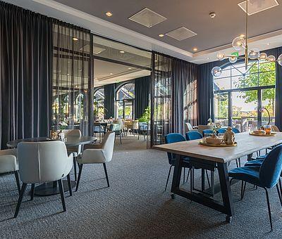 Verkehrsgünstig, direkt an der A30, befindet sich das größte Tagungshotel im Osnabrücker Land, das 4-Sterne van der Valk Hotel Melle-Osnabrück. 121 komfortable Hotelzimmer und 10 Tagungsräume mit modernster Ausstattung erwarten Sie hier.